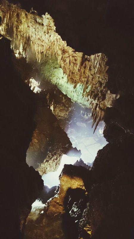 Las Cuevas de valporquero en un Pueblo de Leon