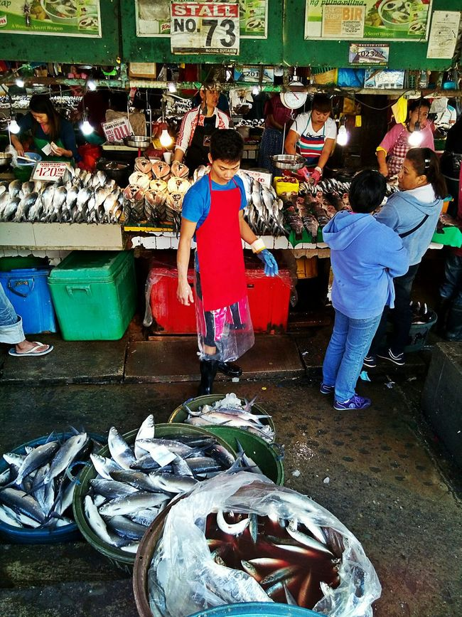 If you want to buy fresh seafood, you must go to the wet market very early in the morning... Real People Real Life Market Fish Market Streetphotography Street Photography Market Vendor Fresh