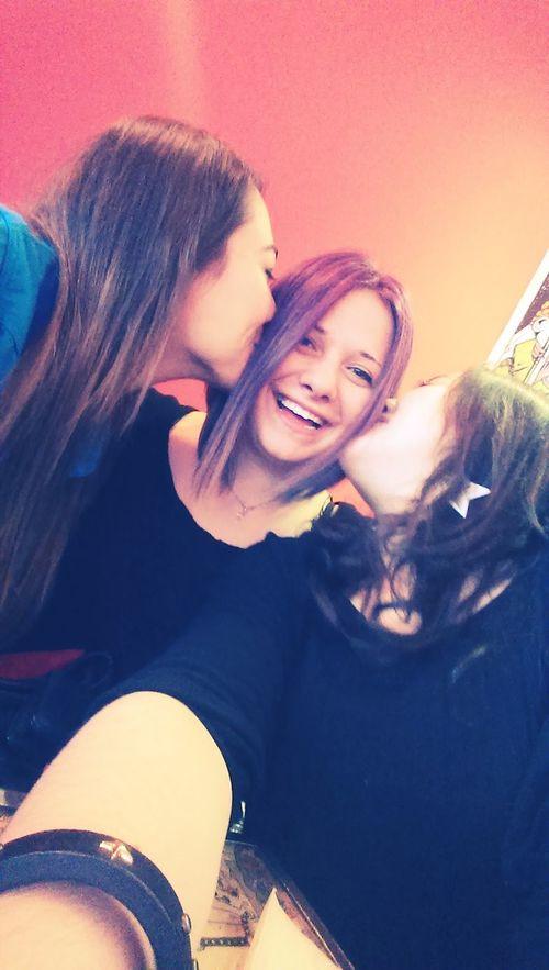 Happyhappyhappy Bestfriends <3 Smile Sister Bu kızlar bir harikaaa..???