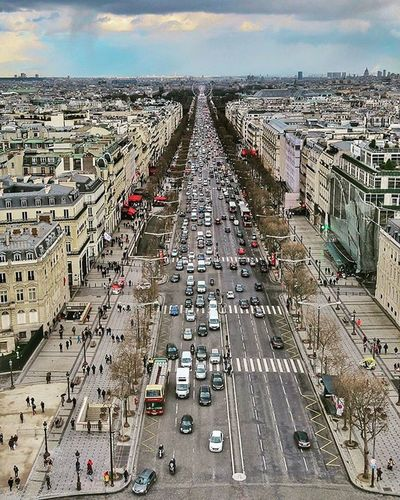 champs elysees, from the top of arc de triomphe.. I love street photography 🌾