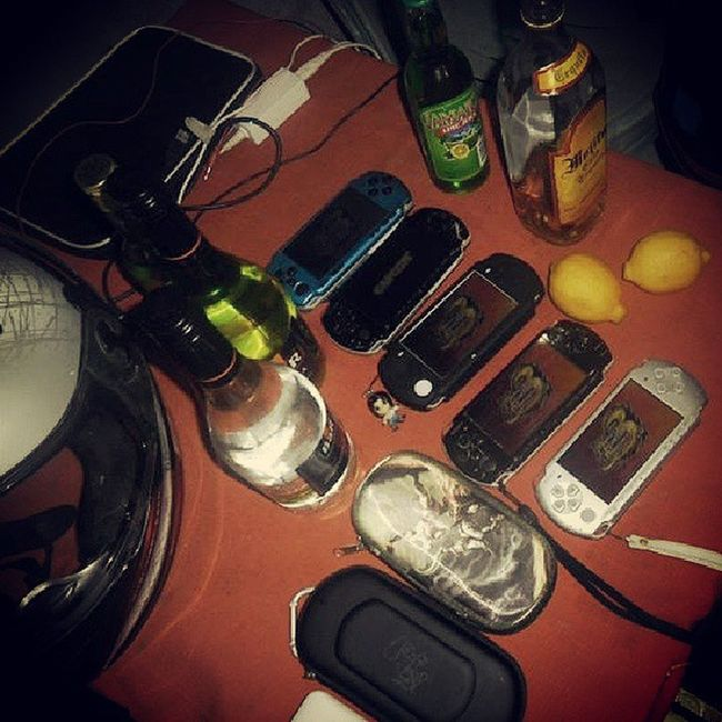 [ + [_____]-:-] PSP days... PSP Mhp3rd Wifi Adhoc inumansession hackandslash triggerhappy noobhunter donefor trashtalk wasted