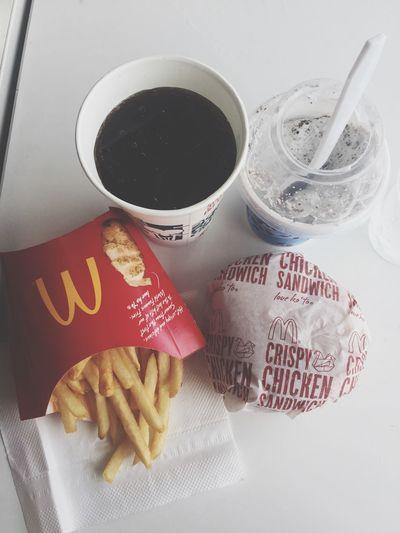 😋🍴 Burges Eating Fries