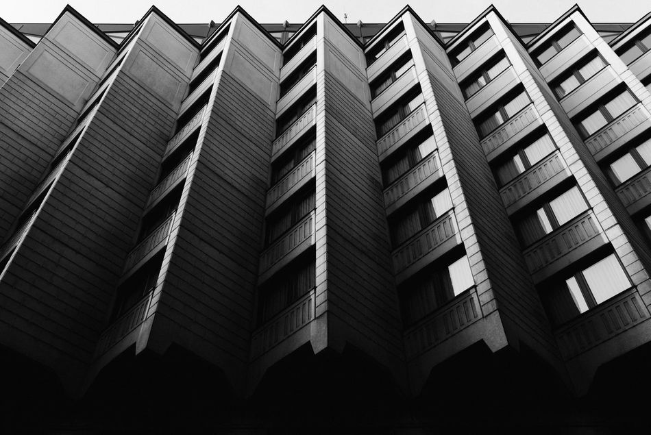Up Architecture Pattern Full Frame Built Structure No People Building Exterior Outdoors Backgrounds Day Street Streetphotography Eye4photography  EyeEm Best Shots City Urban Light And Shadow Lowlightleague Tranquility Shootermag Eyeemphotography Sky Welcome To Black