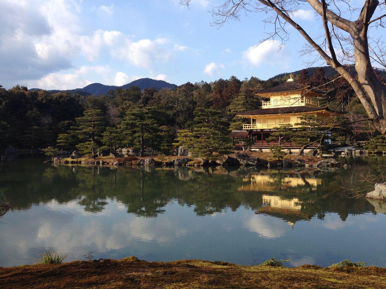 金閣寺 : Kinkakuji temple. it's decorated with GOLD🌟 Enjoying Life Water Reflections Kinkakuji Gold Wabi-sabi
