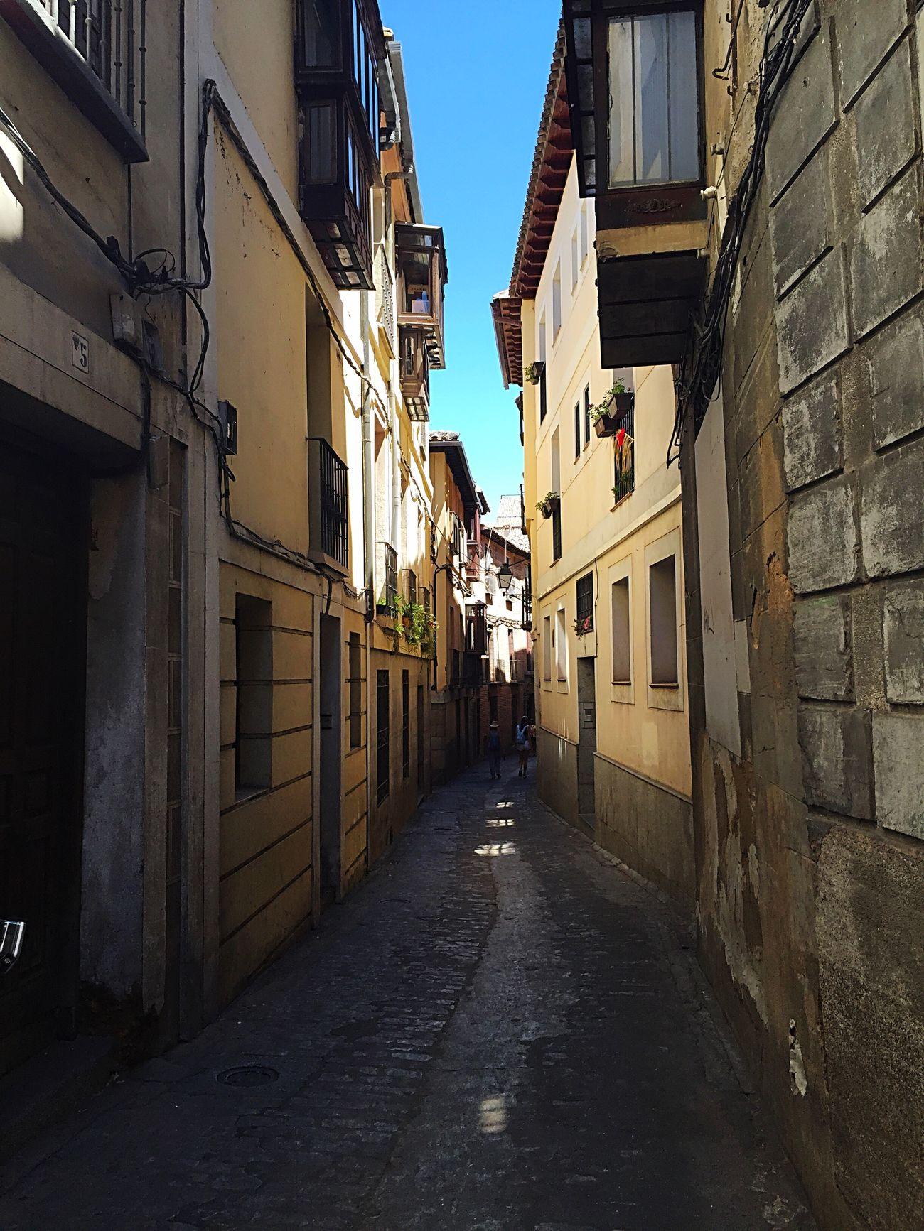 The Street Photographer - 2017 EyeEm Awards Toledo Spain SPAIN La Mancha Alfileritos Alley Callejón
