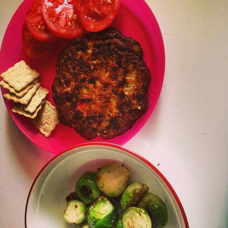 Dinner tonight. Last night before classes start ? Blackbeanburger Brusselsprouts Tomato Specialkcrackers