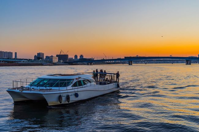 Toyosu in Tokyo Toyosu Sunset Sunset_collection Sunset Silhouettes Sea Seaside Seaside_collection Boat Eye4photography  EyeEm Best Shots Light And Shadow Landscape Landscape_Collection Landscape_photography
