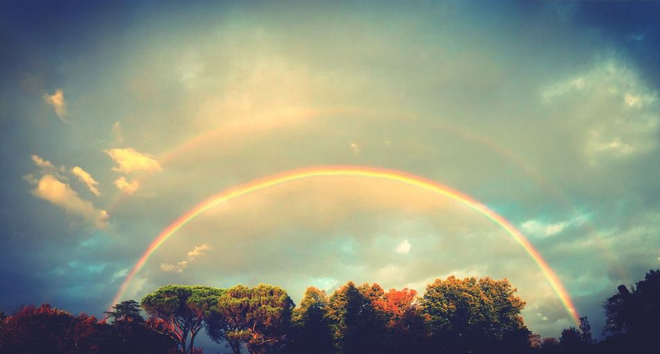 Arcobaleno  Sky Beauty In Nature Rainbow Nature Multi Colored Day Beautiful Nature Scenics