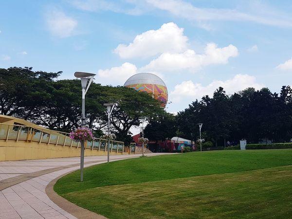 beautiful day #nopeople #bluesky #hotairballoon #malaysia #putrajaya #outdoor