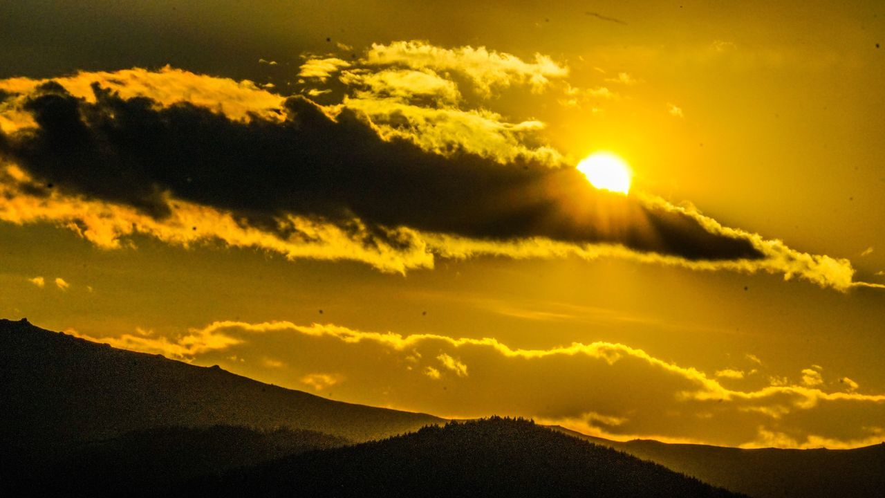 Beauty In Nature Nature Sunset Sky Scenics Tranquility No People Tranquil Scene Silhouette Mountain Sun Landscape Day Sony A6000