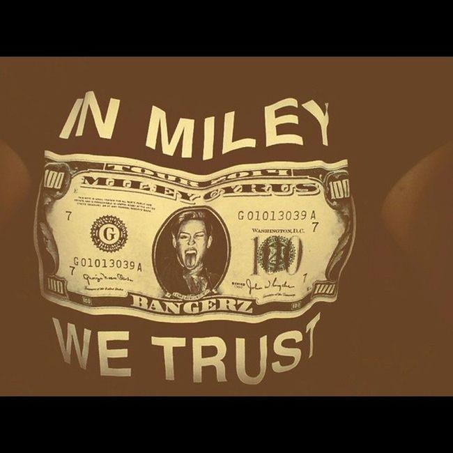 In Miley We Trust! Bangerztourdublin BangerzWorldTour Bangerzmerch Fuckyeahdublin wreckingball wecantstop werk adoreyou domythang drive getitright partyintheusa cantbetamed mileycyrus