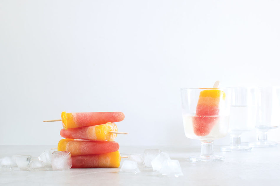 Sunset ice-blocks with a glass of Prosecco is perfect for these summer days. Sunset Iceblocks Icelollies Pink Food Foodporn Check This Out