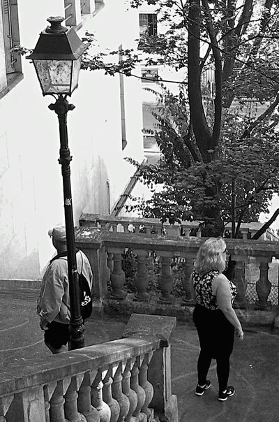 Outdoors Day People Real People City Adults Only Street People Photography BYOPaper! Architecture Streetphotography Capture The Moment Black And White Collection  Black And White Black And White Photography Ordinary Scene The Architect - 2017 EyeEm Awards People Of EyeEm The Street Photographer - 2017 EyeEm Awards From My Polnt Of View France🇫🇷 Adults Only Woman Man