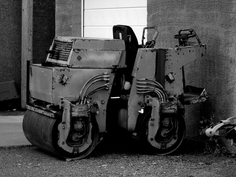 A very old road roller B/W edit Uk Eye Em Scotland Scotland B/w Edit B/W Photography B/w Daily B/w Collection Black And White Photography Black And White Land Vehicle Outdoors No People Day Close-up Road Roller Construction Machinery Construction Vehicle Construction Equipment Road Works Machinery Old Machinery Machines And Vehicles Old Heavy Equipment Heavy Machinery