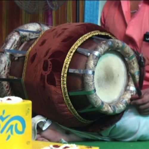 Instruments mrudungam Mrudungam Singing Music Indian India Instrumental Musicpassion WHPmydailyroute Tabla Lovemusic Musicornothing Listining Fotogeek15