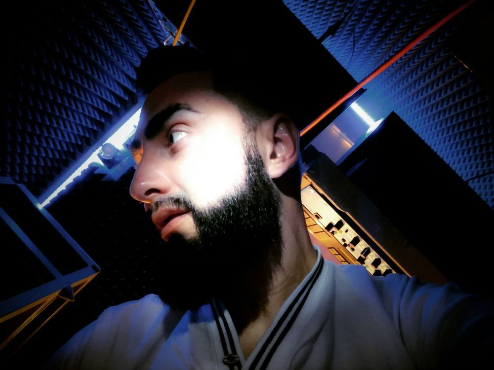 "Audiorecording studio ""Diploid_rec"" Young Adult Young Men Serious Confidence  Close-up Malemodel  That's Me✌️ Diploid At Home Cozy Diploidrec Beard Selfie✌ Beardedman Maleportrait Audio Engineering Audiorecording Darkroom Lifestyles"