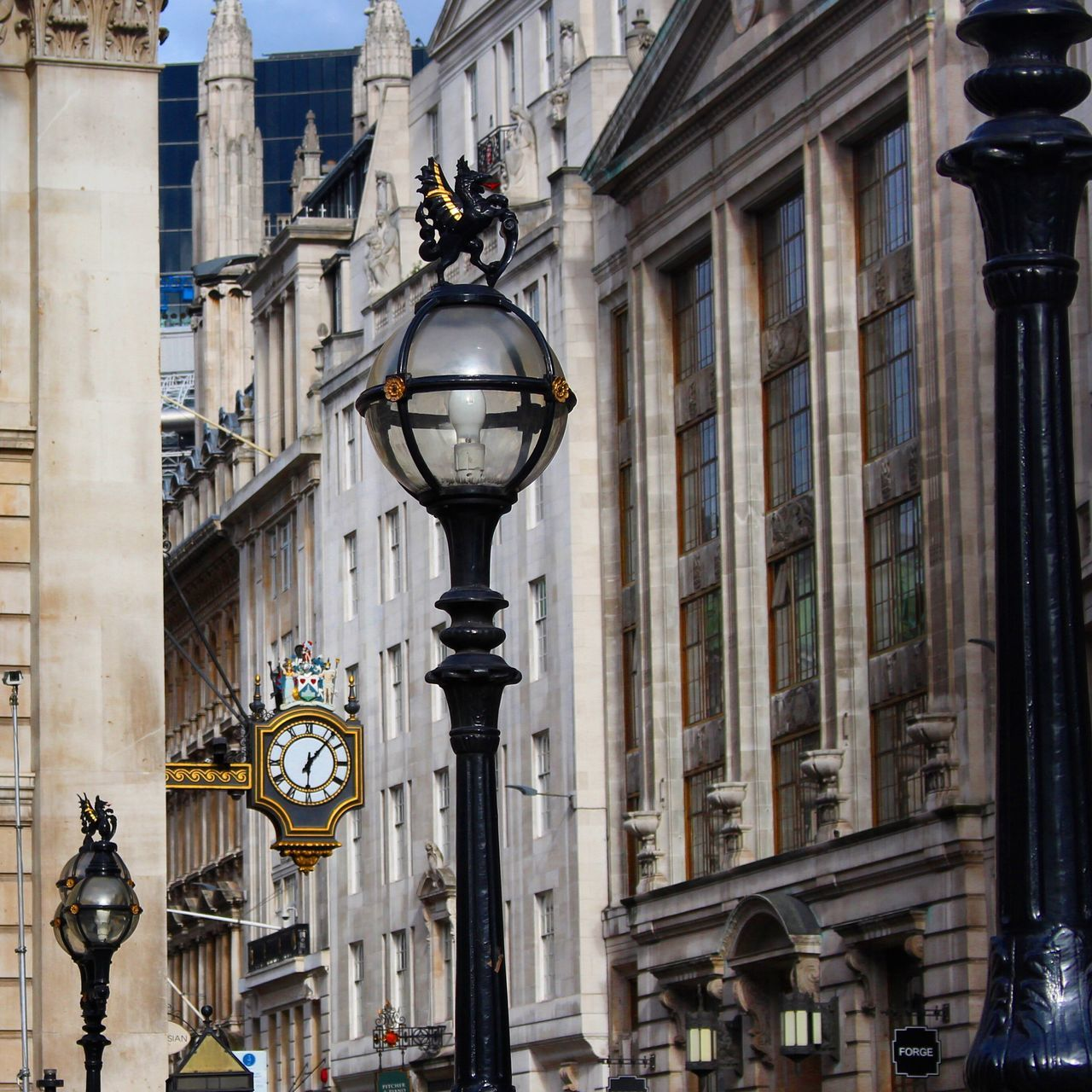 London Lifestyle Building Exterior London Bank