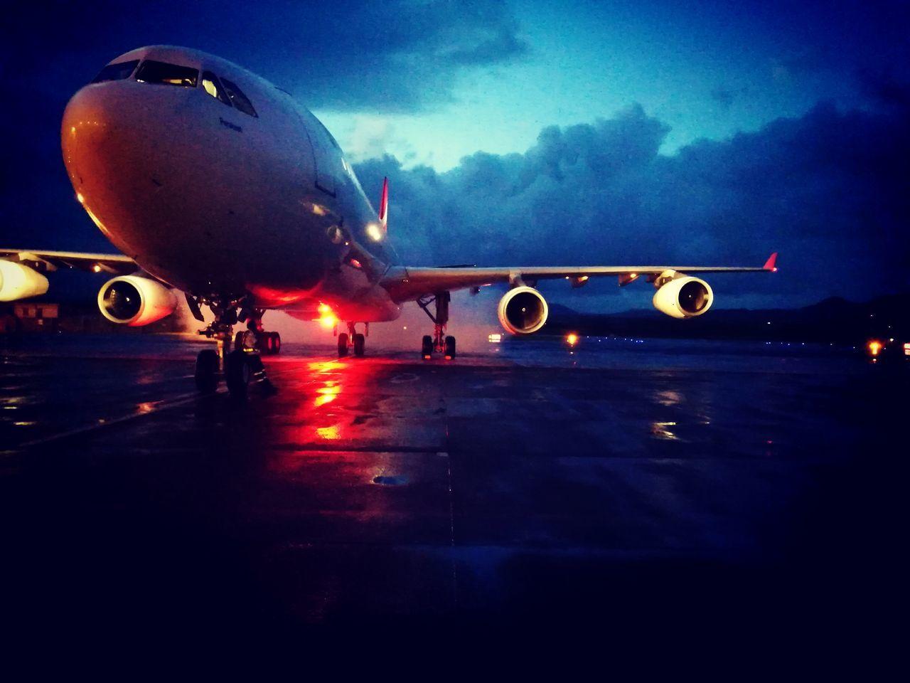 Airplane Airport Runway Avgeek Aircraftmechanic Aircraft Spotting AircraftMaintenance Aerospace Industry Airmauritius360 Leica Huawei P9 Mauritius Aircraft A340 CFM Airmauritius Airport Rainy Days☔ Sky Flying High