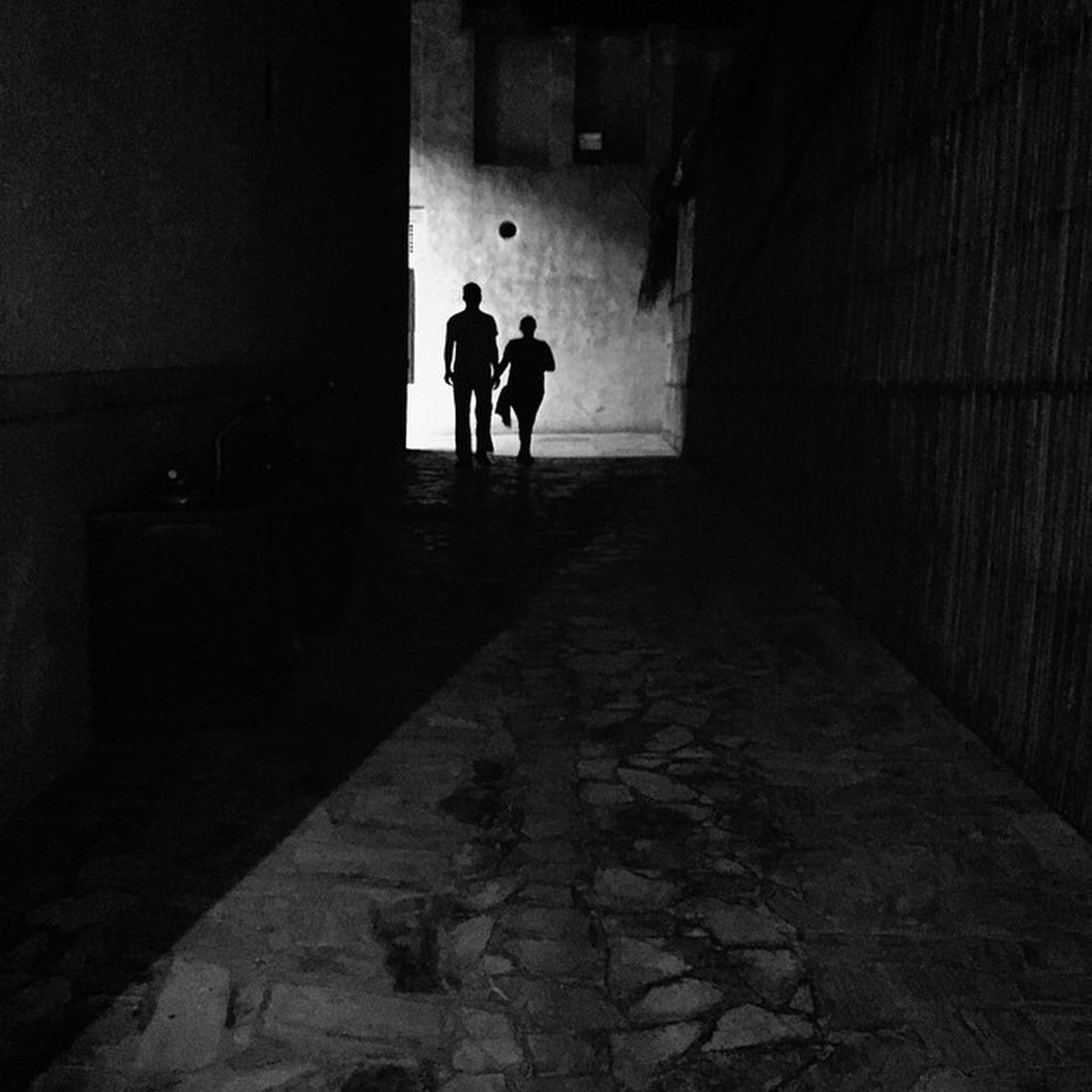 Dubaistreet Lightandshadowhunter Streetphotography Streetphotographyintheworld Iphonephotography ShotOniPhone6 Streetphotography_bw Mydubai Streetphotographer Streets_oftheworld StreetLife_Award StreetScenes Streetshot Dubaistreet Mydubai @hipaae Hipasnap Photoliga Photoliga_tc Monochrome Alley Silhouette C Couple Light Eyeem Philippines