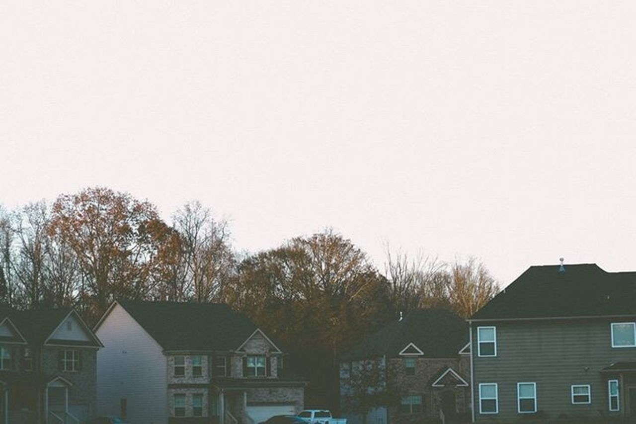 building exterior, house, built structure, architecture, residential building, tree, no people, outdoors, day, roof, sky, nature, city