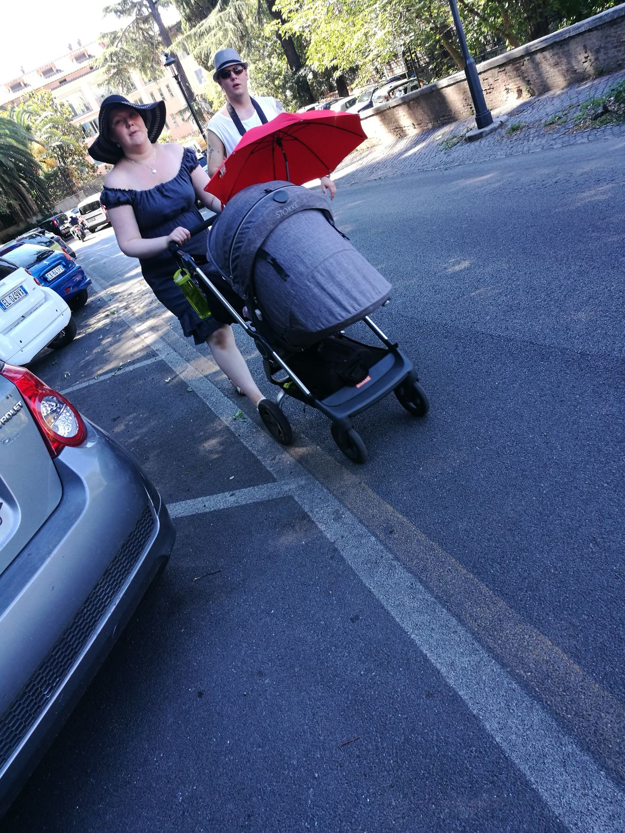 Car Transportation Day Mode Of Transport Full Length Road Two People People Outdoors Childhood Real People Child Adult Color Photography The Purist (no Edit, No Filter) Rome Italy🇮🇹 Genitori💙 Famiglia ❤️ Family❤