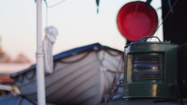 Boat Boats Lantern Lanterna Lanterns Lanterne Boats And Water Boat Dock