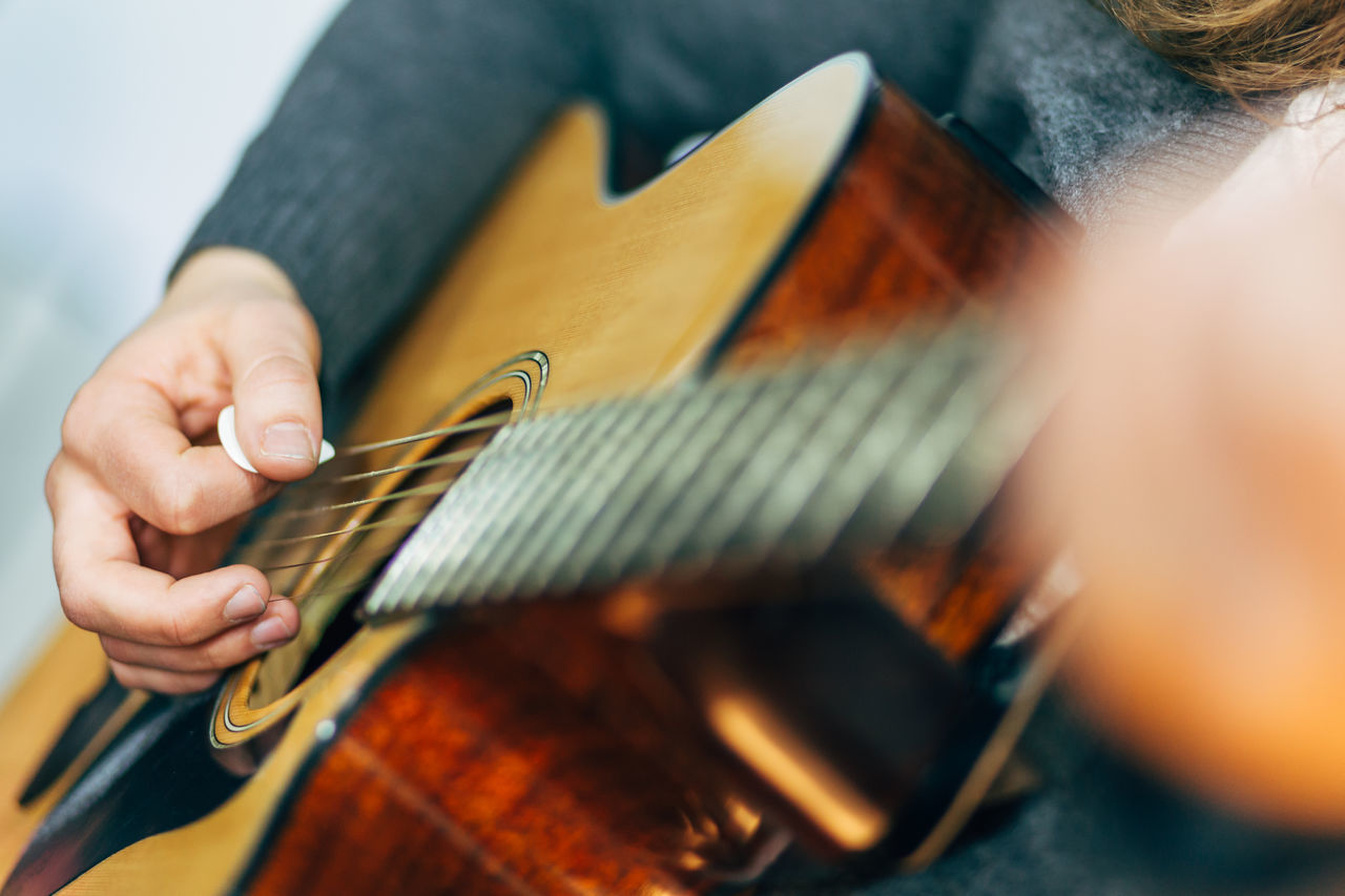 Beautiful stock photos of gitarre, Arts Culture And Entertainment, Blurred Motion, Detail, Guitar