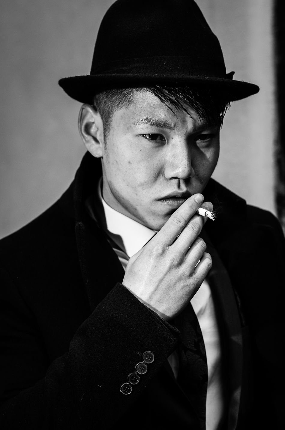Daniel Noir Gangster Blackandwhite Portrait Photography Black And White Monochrome Photography Filmnoirmood Black And White Collection  Portraits Black & White Filmnoir Monochrome Deanstreetdesigns Noir Et Blanc Black And White Photography Portraiture Blackandwhite Photography PortraitPhotography Blackandwhitephotography EE_Daily: Black And White Portrait Headshot Portrait Of A Man  Portraits Of EyeEm