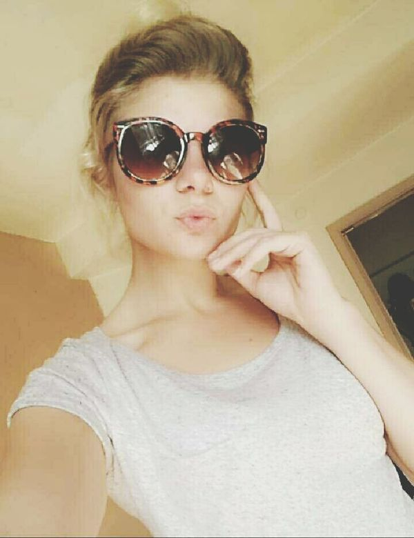 Self Portrait Taking Photos Girl Feeling Good Today's Hot Look Ready For Summer Badhairday Don't Care Duckface Sunglasses