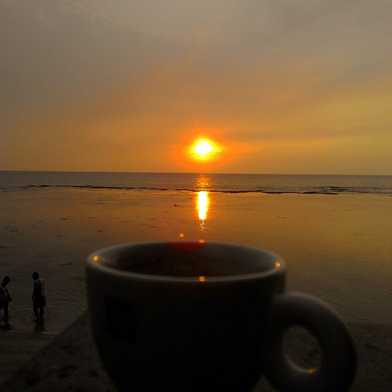 Sunset Couple and Coffee Pasangan Senja  dan Kopi SORE Anyer  Banten INDONESIA Lenovotography Photophone  Lzybstrd Photooftheday Beach Jingga Love Prewed Coupleoftheyear Pocketphotography Fatamorphosis