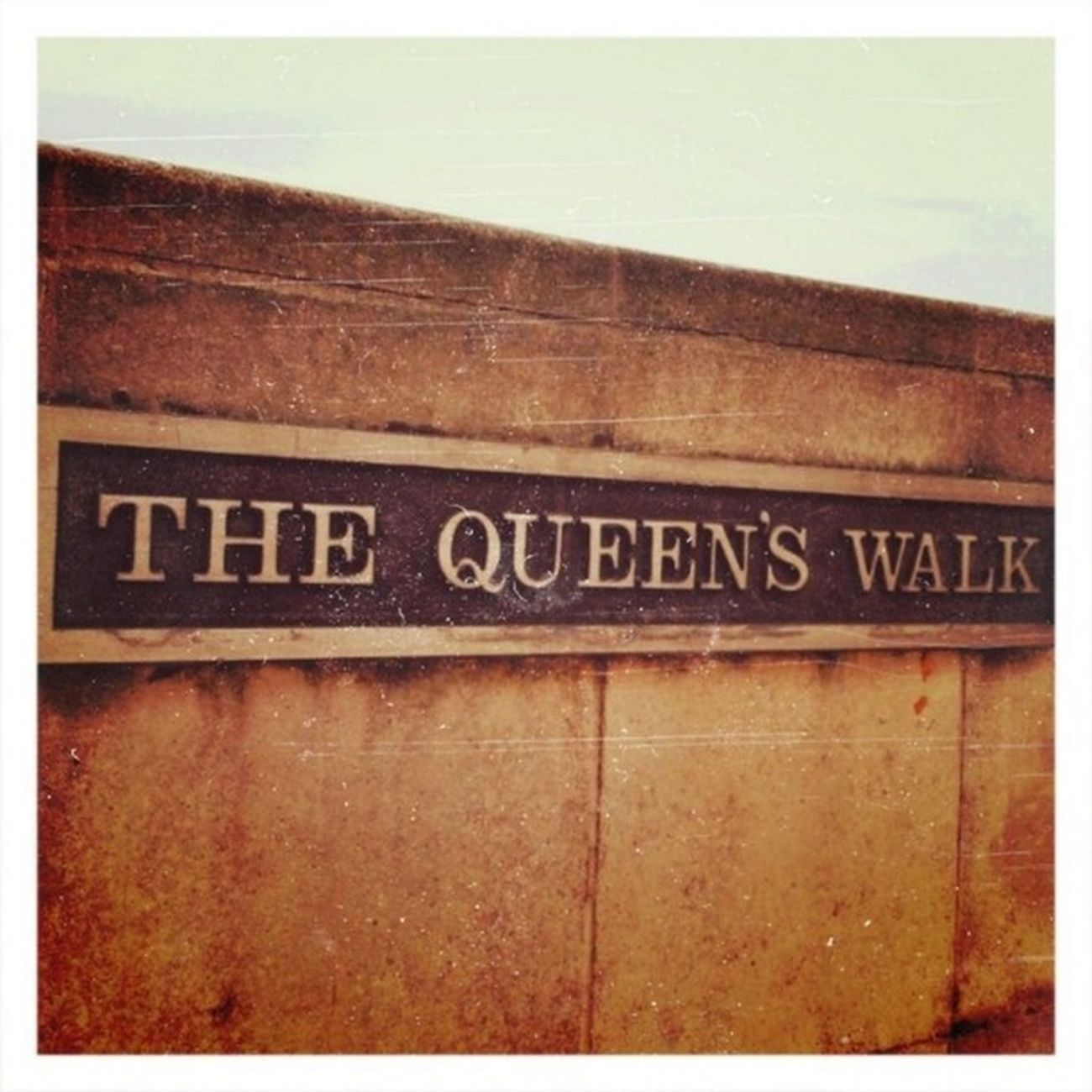 TheQueensWalk London Southbank Thethames