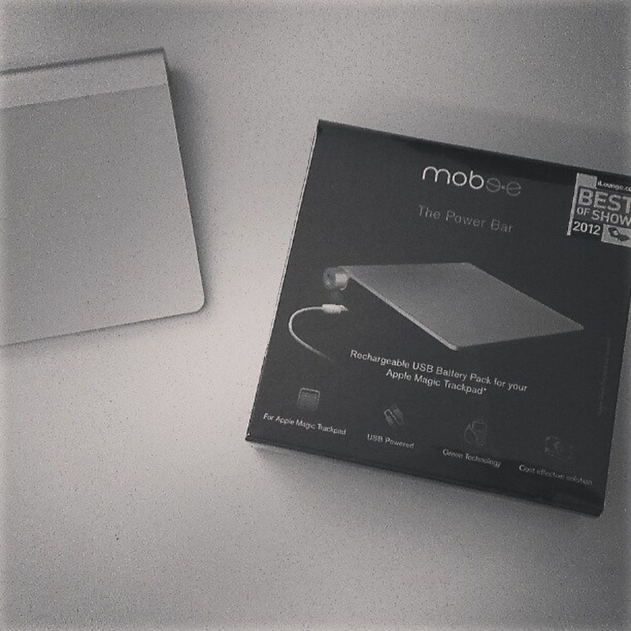 so my Mobee power bar has arrived :D no more AA's for my magic trackpad!