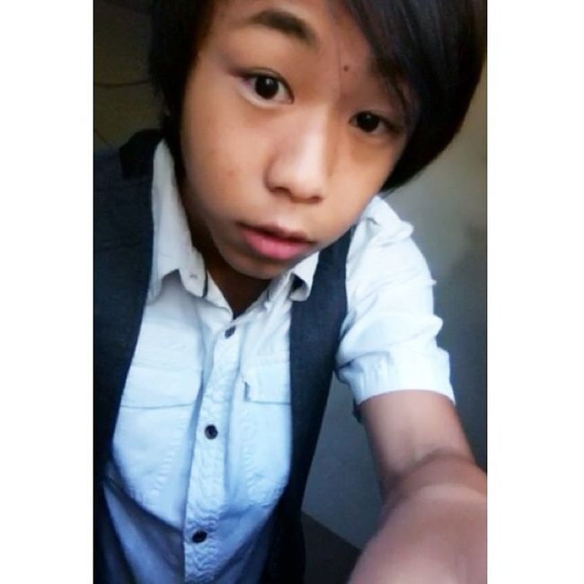 I wasn't ready taking this picture but I took it anyways n.n Turtle_troy Asian  Asianguy Asianhair Asianlife Asiancutie Asianstyle Hmong Hmoob KAWAII LOL AHA Follow Umm