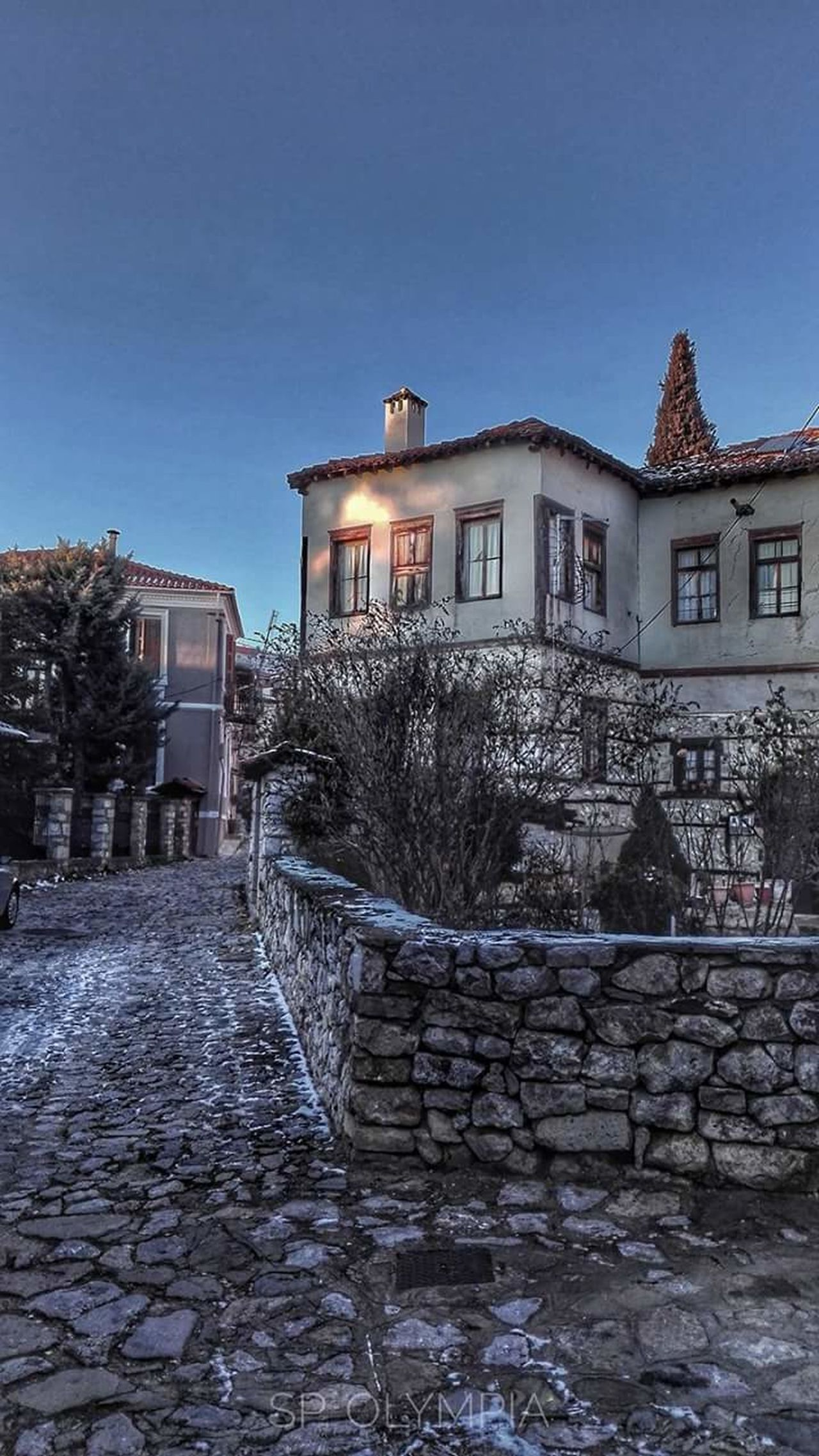 Greece GREECE ♥♥ Home Sweet Home Beauty In Nature Cultures Beautiful Nature Street Photography Travel Travel Destination Kastoriagreece Travel Photography Famous Place Nature Streetphotography Travelling View Travels Kastoria 52100 Greece. House Villa Hellas Enjoying The View Travel Destinations Traditional Culture Travellers