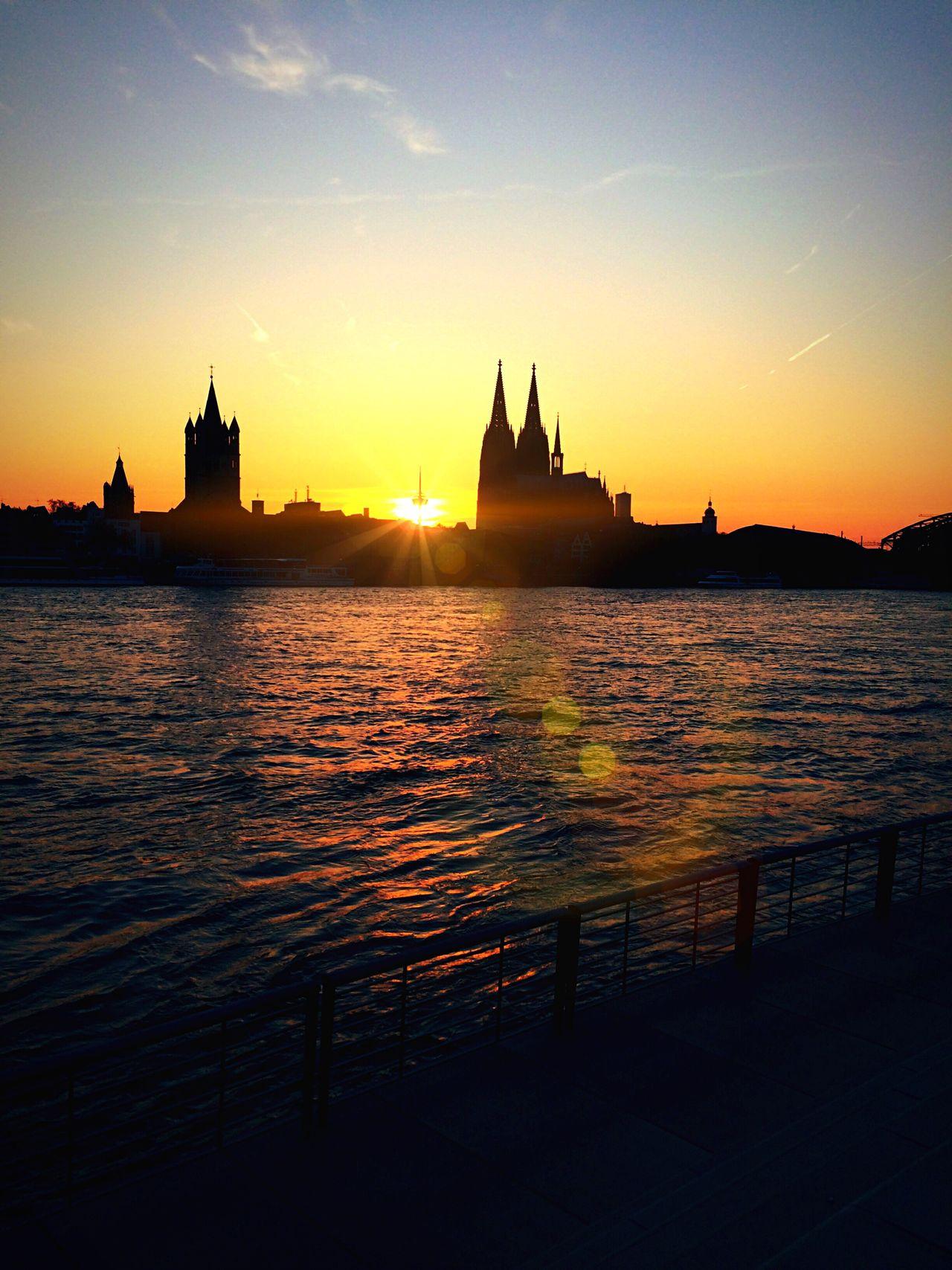Sunlight Sunset Köln Colone,Kölle Deutschland Sky River Water Lumix Reflection Boats Lumix FZ2000
