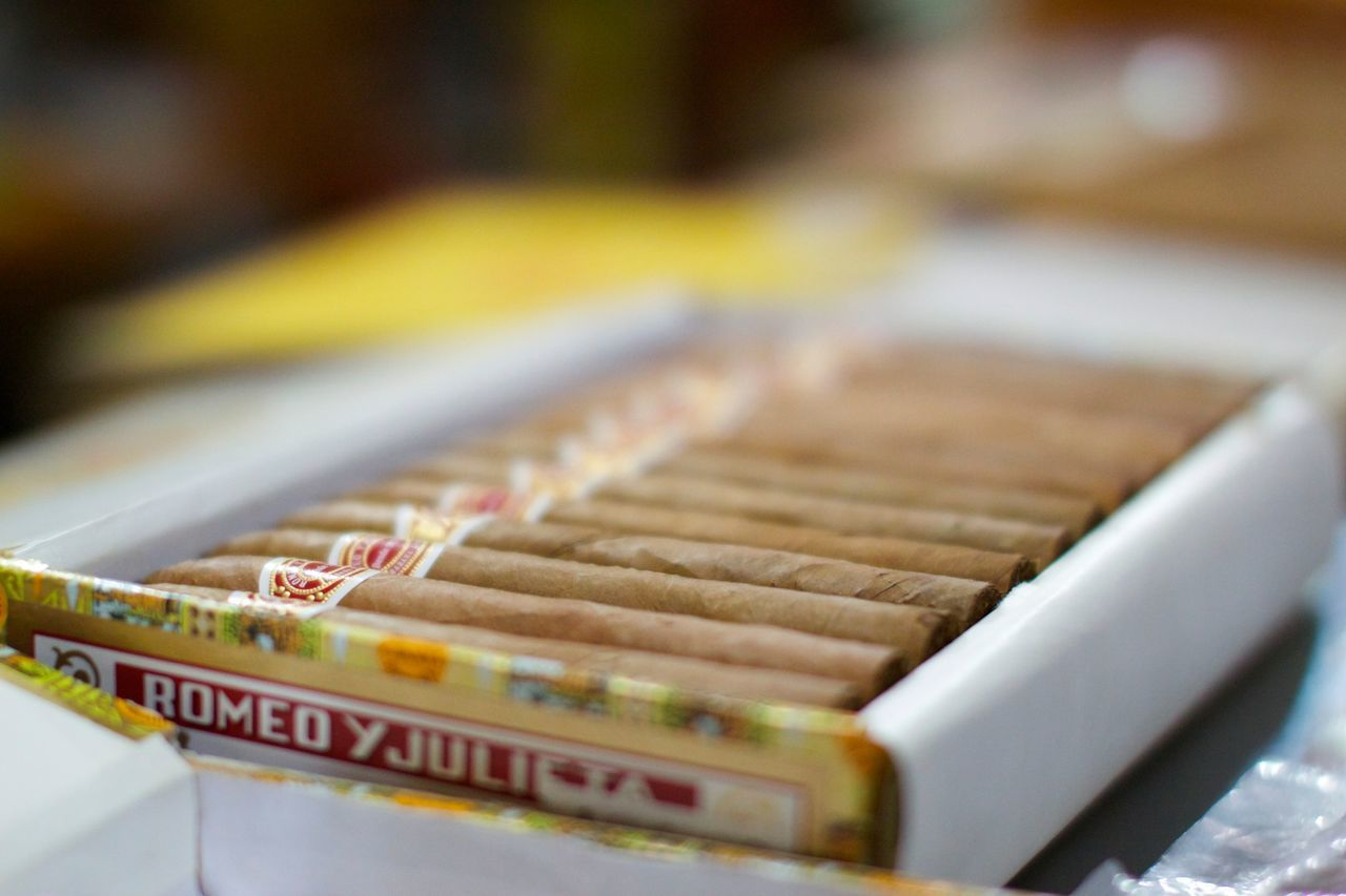 Cuba Havana Cigars RomeoYJulieta Smoking Humidor  Cigar Smoking Cigarbox Depth Of Field Focus On Foreground