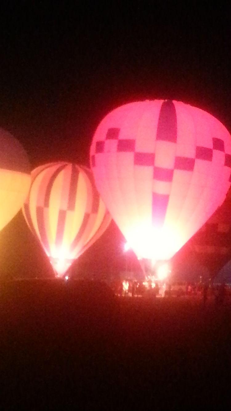 Still more Hot Air Balloons Anna Balloon Glow Taking Photos Enjoying Life