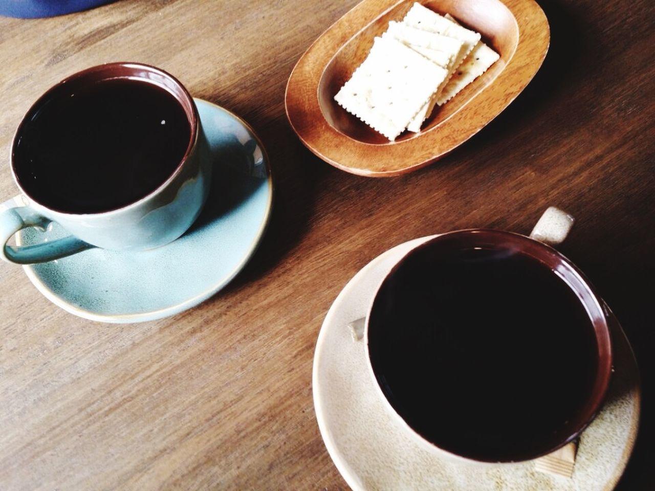 Fleures de cheries et cafés, ma mère me manque trop :' Mom Photo Coffee Time Hanging Out Taking Photos Enjoying Life