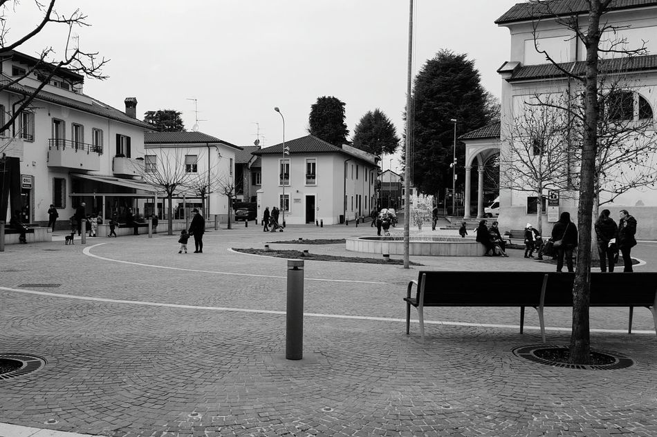 Q Quiet Moments Quiet Place  Quietness Streetphotography Streetphoto_bw Village Life Eye4photography  Barlassina Italy Samsung Galaxy S6 Street Photography Getting Inspired People Old Buildings