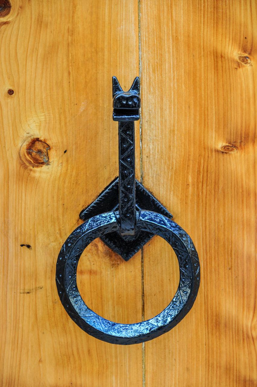 wood - material, door, close-up, no people, day, wood grain, indoors