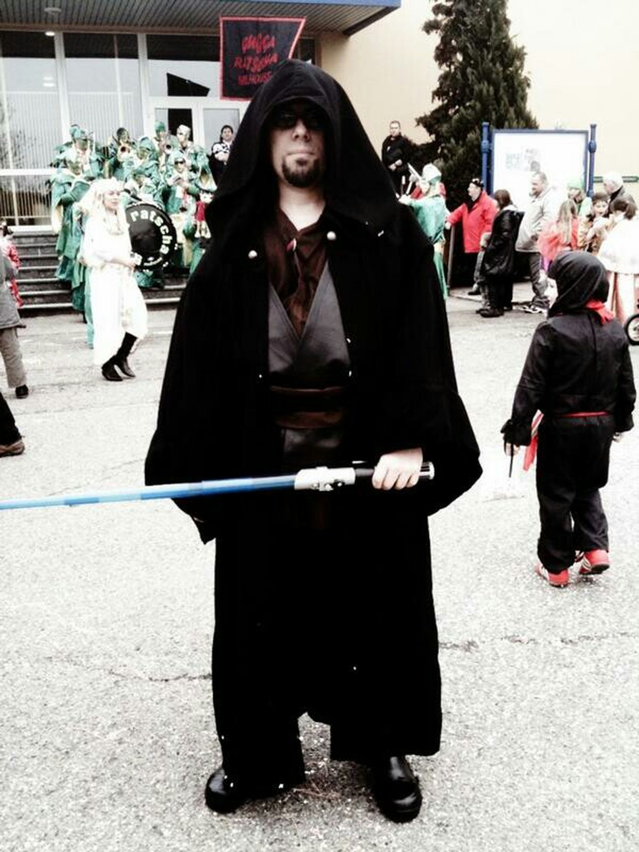 May the 4th be with you ! Happy Starwars Day ! Starwars MayThe4thBeWithYou MayTheForceBeWithyou, me cosplay à Jedi !