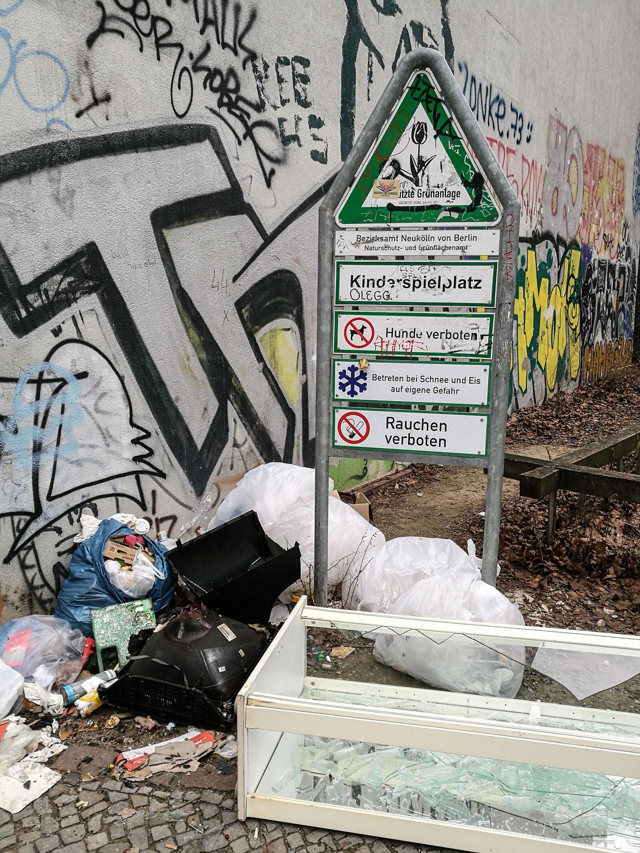 Berlin Berlin Photography Berliner Ansichten Day Dreck Garbage Müll Neukölln Street Text Unhygienic Waste Wasted