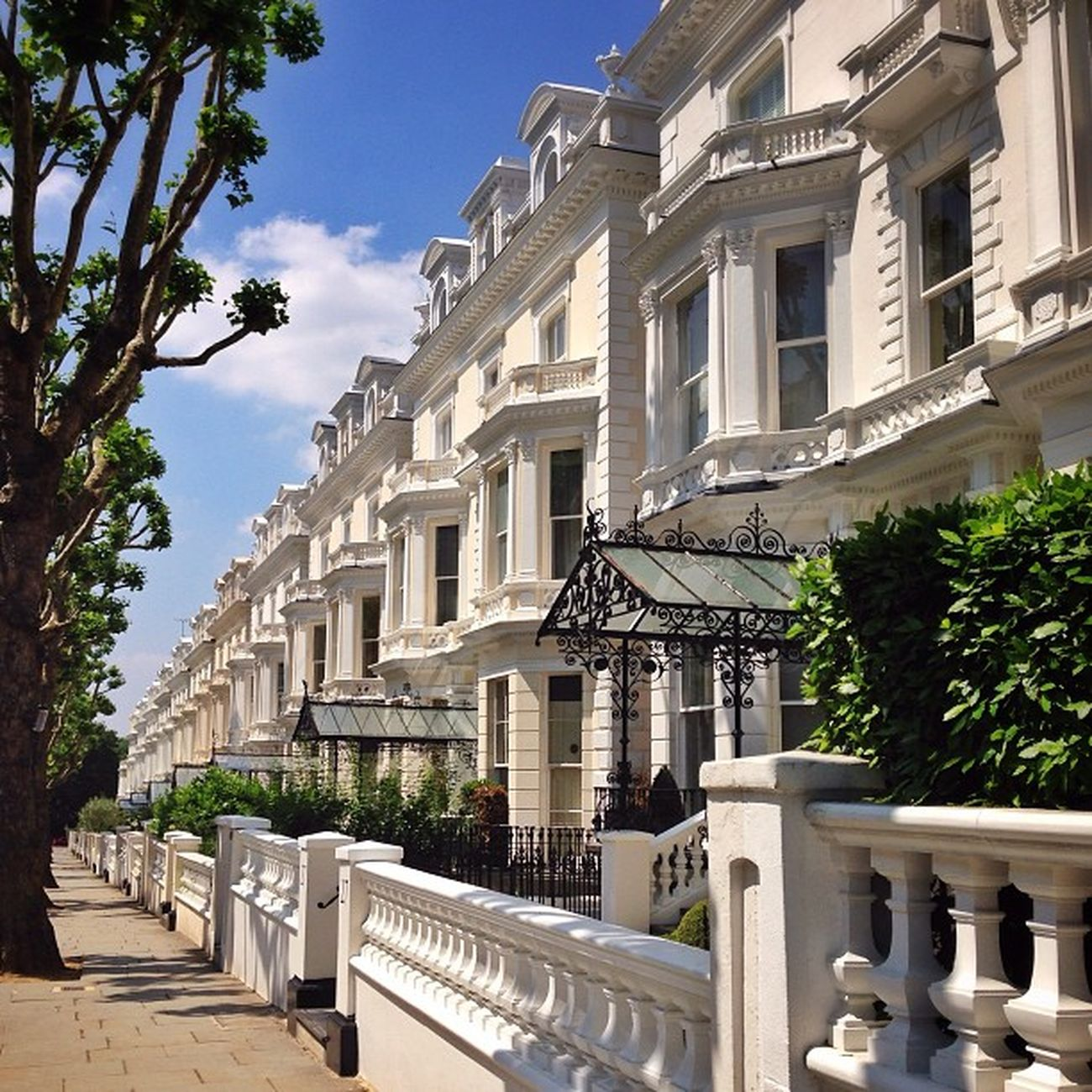Hallo to new #followers, if you miss #London in my feed, here is one shot from #summer #kensington ????☀️ #alan_in_london #gf_uk #gang_family #igers_london #insta_london #london_only #thisislondon #ic_cities #ic_cities_london #ig_england #love_london #gi_ Igers_london Ig_england Summer Love_london London Ic_cities_london Gang_family Ig_london Followers Aauk Kensington Yourturnbritain Londonpop From_city Allshots_ London_only Ic_cities Gf_uk Alan_in_london Insta_london Thisislondon Gi_uk