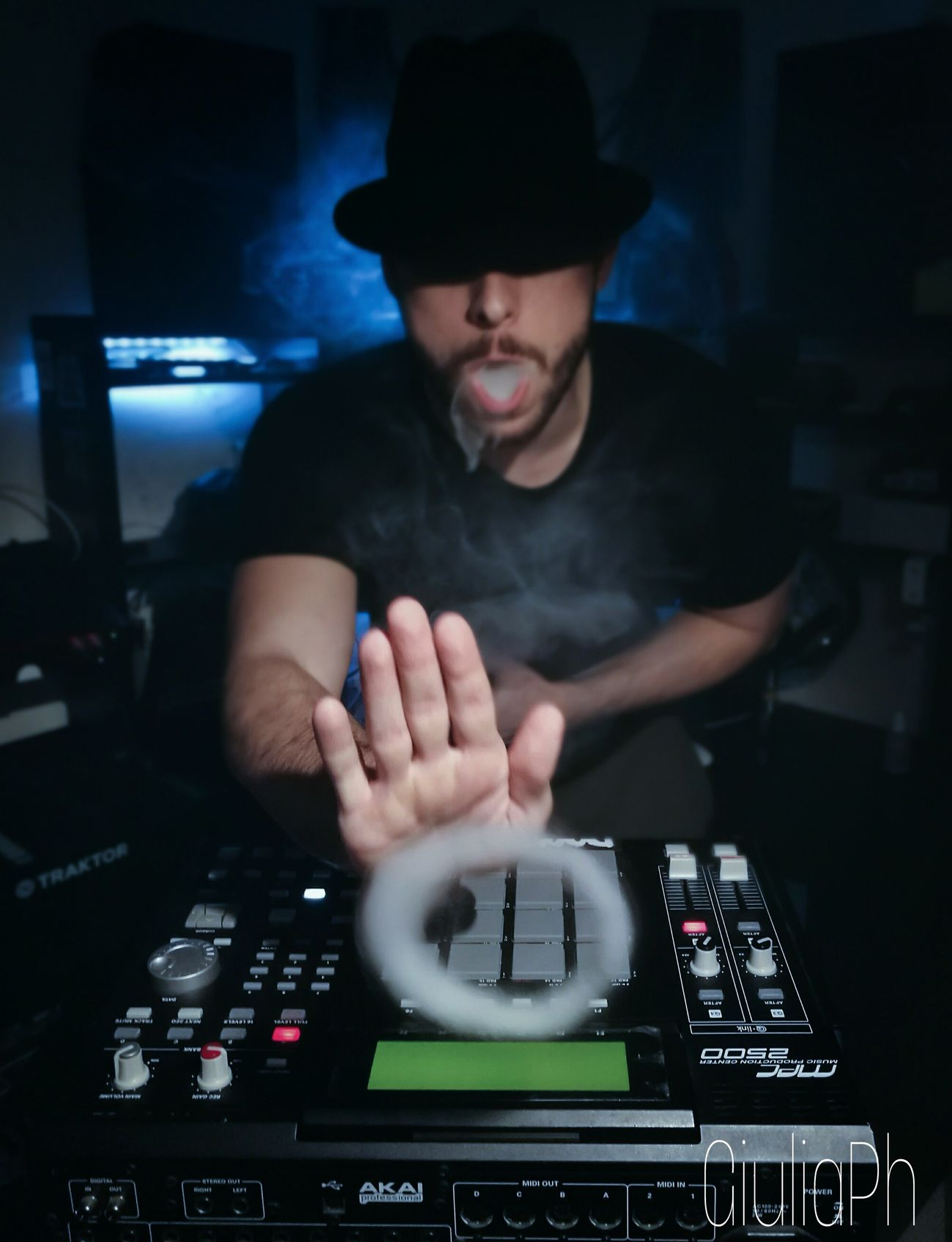Music Scratching Playing Music Musician Vape VapeSmoke Vapegram Beatmaking MPC Akai AkaiMpc Ecigarrete Vapetricks Vapetrick Vapetool Vapetography Goodvibes Swag