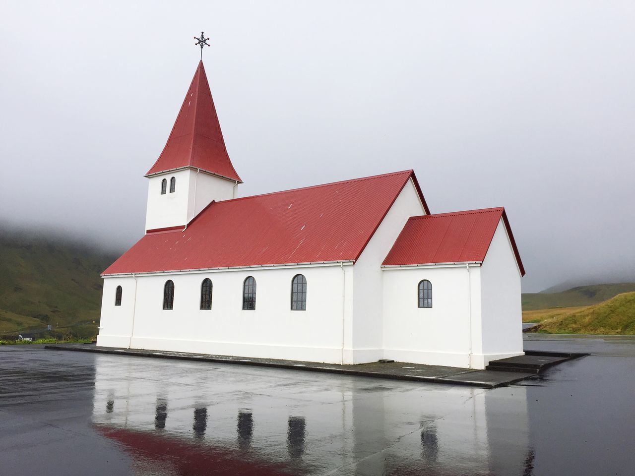 architecture, built structure, building exterior, water, outdoors, no people, day, fog, place of worship, lake, sky, nature