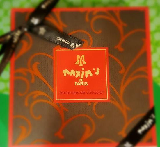 パリは最高! Paris ❤ Maxim's De Paris Chocolate♡ Chocolate Valentine Close-up Enjoying Life Taking Photos Lucky Happy