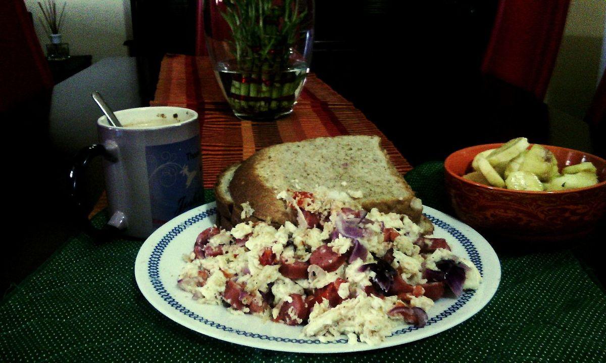 Late breakfast. Saturday. Munchies . My Own Creation :) .