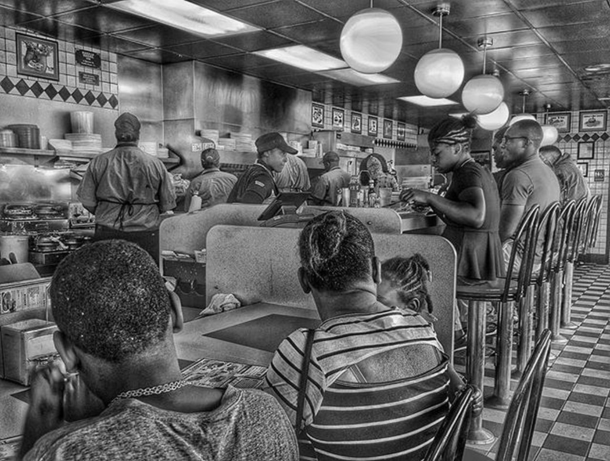 Welcome to the ghetto..........Wafflehouse Randompersonshot