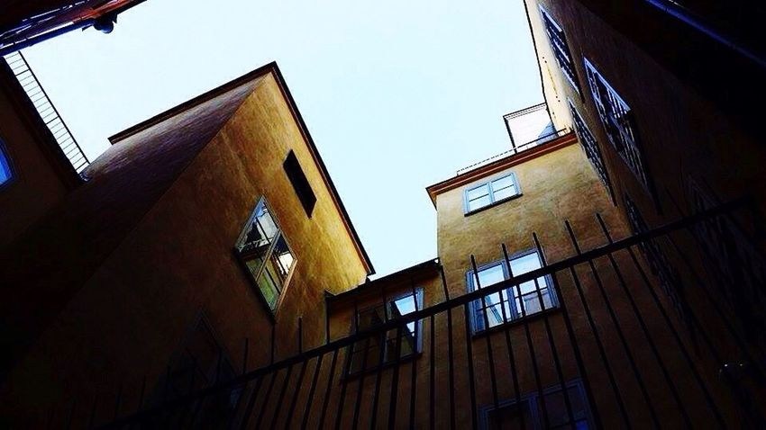 Building Exterior Low Angle View Architecture Built Structure Window No People House Day Outdoors Sky
