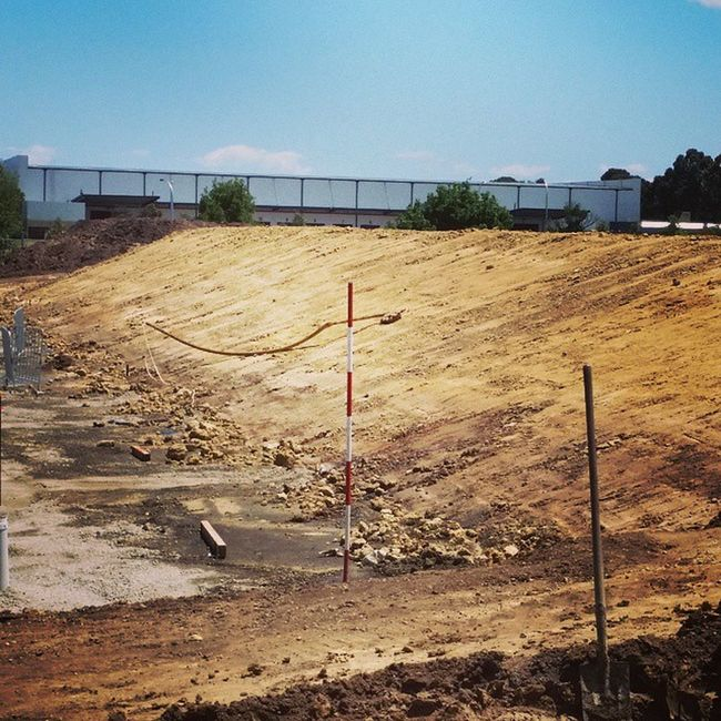 Batter all finished. Digging Earthmoving Photooftheday Igphotooftheday basement mudstone sh200 clay excavator digger sumitomo dirt dig concrete pad work myjob cleanfill melbourne australia sand dandenong digga mudstone batter clean
